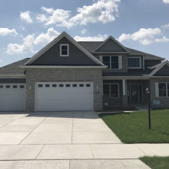 805 Copper Creek Dr, Crown Point, IN
